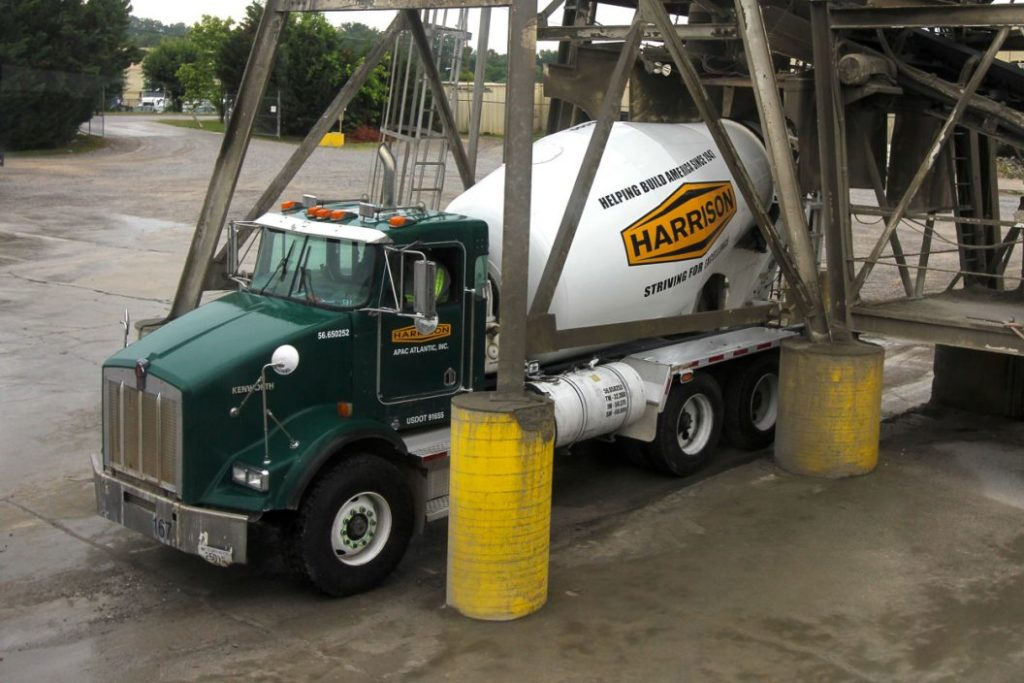 Harrison-Ready-Mix-Loading-at-our-Knoxville-Plant-1056x704